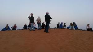 Gruppe im Sand